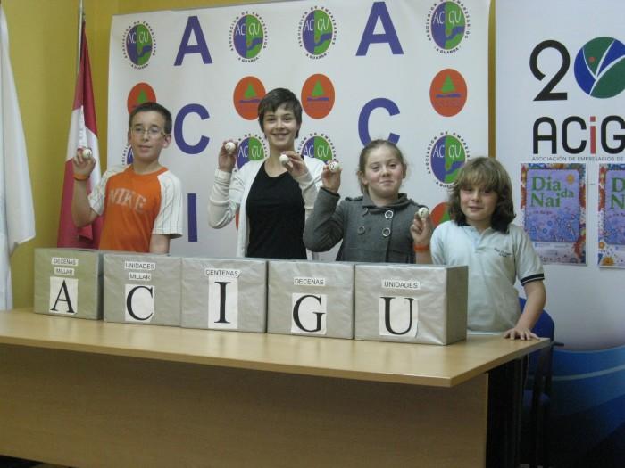 ACIGU CCA, realizó en la tarde del día 5 de Mayo, el sorteo de tarjetas - regalo  do Dia da Nai